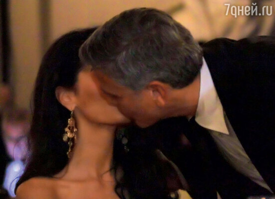 George Clooney and Amal to visit the Celebrity Fight Night Foundation in Florence - Page 6 149828