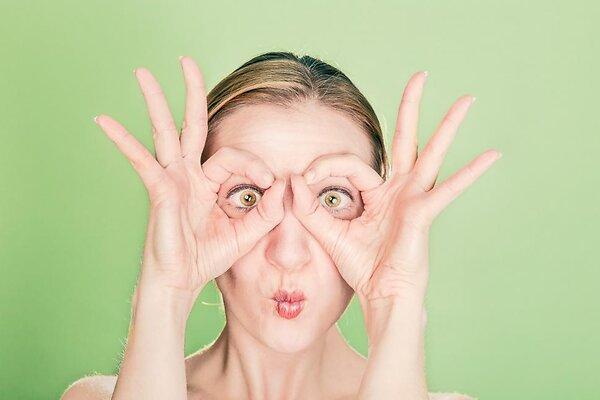 Когда появляются первые морщины у женщин вокруг глаз