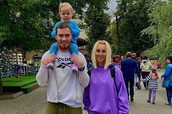 Двухлетняя дочь Кудрявцевой получила на день рождения  иномарку