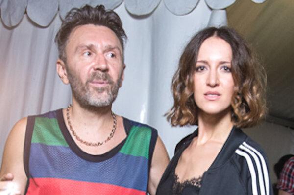 Сергей Шнуров привез жену на «Новую Волну» - 7Дней.ру