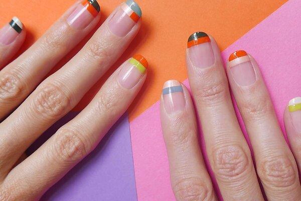 Маникюр на половине ногтя – новый тренд этого лета