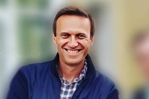 Исхудавший Алексей Навальный опубликовал фото из больницы