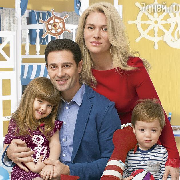 Антон и Виктория Макарские: «Мы поселились на настоящем ... кэти перри инстаграм
