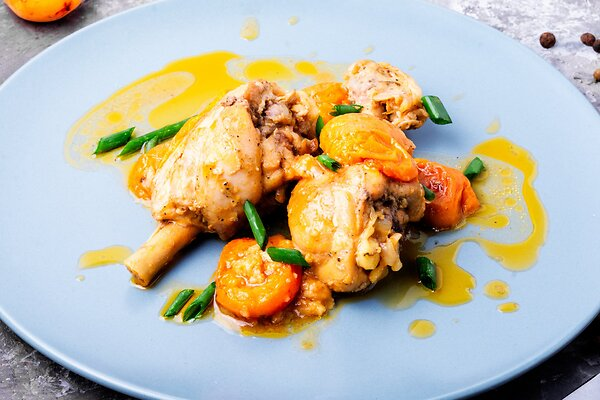 Курица в абрикосовом соусе: рецепт вкусного и полезного блюда