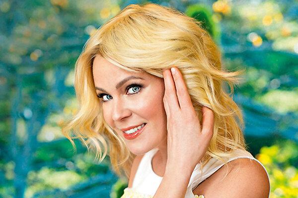 Как вернуть волосам блеск после зимы: секреты Марии Куликовой