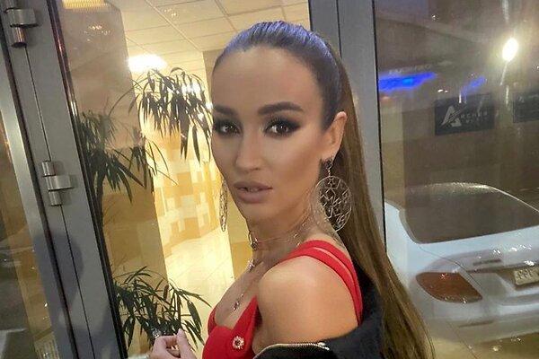 Ольга Бузова получила травму на «Ледниковым периоде»