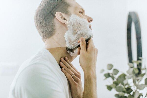 Обойдемся без бритвы и пены для бритья: интересные бьюти-подарки на 23 февраля