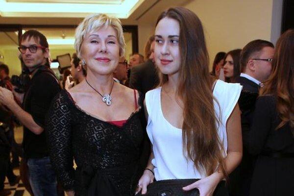 «Вечеринки ей ни к чему»: возвращение дочери Успенской в Москву обернулось новыми проблемами