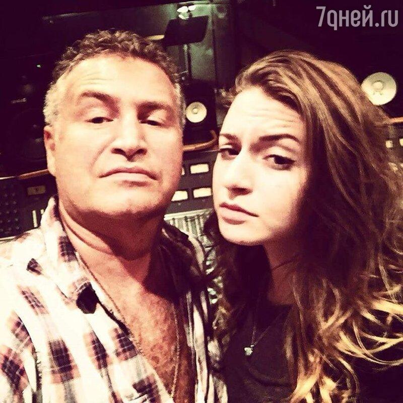 Леонид Агутин продемонстрировал фото меньшей дочери иеебойфренда
