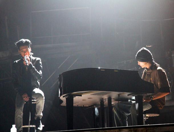 [Net/Russie/Mars 2010] Tokio Hotel : « Quand j'ai vu notre clip, je suis devenu fou ! » 7_Humanoid1_fmt