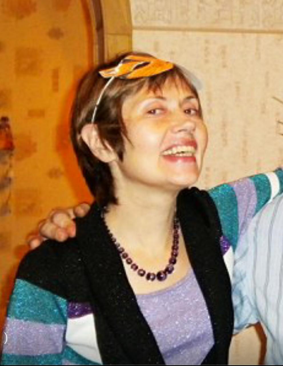 Анджелина Джоли распродает подарки Брэда Питта
